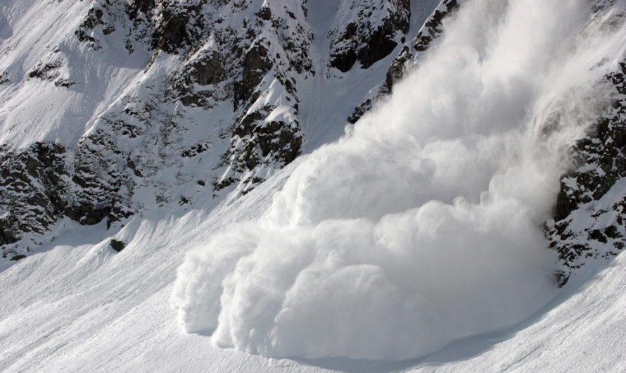 В Приэльбрусье погибли два туриста из-за схода лавины
